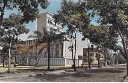 AFRIQUE NOIRE - COTE D'IVOIRE - ABIDJAN : L'HOTEL De VILLE - CPSM Dentelée Colorisée Format CPA - Black Africa - Ivory Coast
