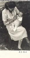 Lintgen  -  Den Nicolas Kass Mat Senger Mamm  8.9.1953 - Stereoscopic