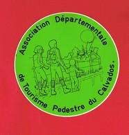 1 Autocollant Association Départementale De Tourisme Pédestre Du Calvados - Autocollants