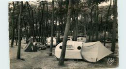 17* VAUX NAUZAN  (CPSM)  Camping - Non Classés
