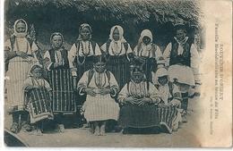 Superbe Cpa   De  L' Orient   -   Famille Macedonienne  En Tenue De Fete - Macédoine