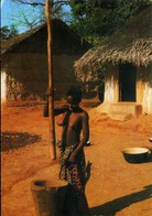 CPM - Pileuse Au Village - Cartes Postales