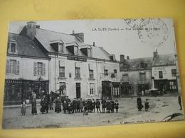 4J 2607 - CPA 1912 - 72 LA SUZE. VUE PARTIELLE DE LA PLACE - BELLE ANIMATION. COMMERCES - La Suze Sur Sarthe