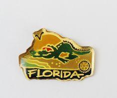 Pin's  Crocodile Florida Floride - VIL/1 - Steden