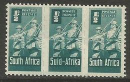 South Africa - 1943 Infantry 1/2d Bilingual Strip MNH **   SG 97a (En-Af-En) - Unused Stamps