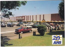 Libreville: HYUNDAI COUPÉ, MITSUBISHI PAJERO, TOYOTA LAND CRUISER, PICKUP - L'Hypermarché 'Mbolo' - (Gabon) - Toerisme