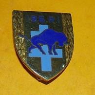 126° Régiment D'Infanterie, émail, Bison Bleu, FABRICANT ANDOR CANNES LE CANNET,HOMOLOGATION 1557, ETAT VOIR PHOTO  . PO - Esercito