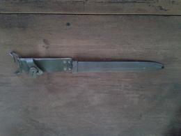 ANCIEN FOURREAU ETUI VIDE MILITAIRE FRANÇAIS POUR FUSIL MAS 69 - Knives/Swords
