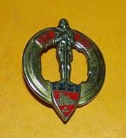 32° Régiment D'Artillerie,FABRICANT DRAGO PARIS ,HOMOLOGATION 196, ETAT VOIR PHOTO  . POUR TOUT RENSEIGNEMENT ME CONTACT - Esercito