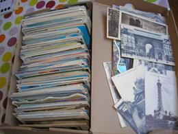 DESTOCKAGE - Carton De 3,60 Kg De Cartes Postales Modernes Tous Pays, Majorité France, Qques CPA.. Drouille Petit Prix - Postcards