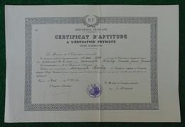 Certificat D'aptitude à L'Éducation Sportive Daté De 1940 - Département De La Seine - Ville De Paris - Diplômes & Bulletins Scolaires