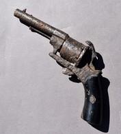 Revolver Ancien - Hors D'usage - Fond De Fouille - Armes Neutralisées