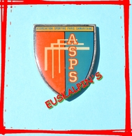 Pin's Association Sportive PARIS Samaritaine, Omni Sport Corporatif, Football, Rugby, Tennis, Athlétisme, Ect.... - Rugby