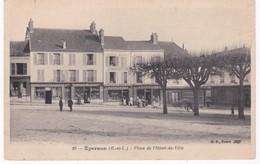 28 Eure Et Loir -  EPERNON -  Place De L'Hôtel De Ville - Charcuterie - Pharmacie - 1915 - Epernon