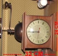 Horloge Façon Moulin A Cafe - Non Classés