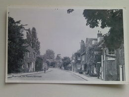 Black And White  Postcard -  Marlow,  St Peters Street - Buckinghamshire