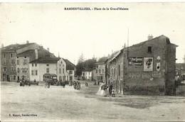 CPA 55 , RAMBERVILLERS  Place De La Grand'Maison , Animée , Autocar - Rambervillers