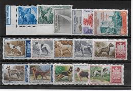 SAN MARINO - ANNEE COMPLETE 1956 - YVERT N° 411/426 ** MNH (TRACE DE STOCKAGE SUR LE 425 ET 426) - COTE = 111.5 EUR - Neufs