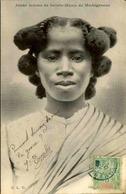 ETHNIQUES - Carte Postale - Jeune Fille De Sainte Marie De Madagascar - L 29897 - Afrique