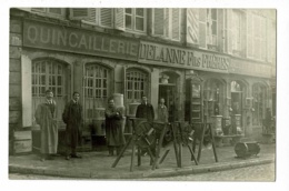 Carte Photo - Langres - Devanture Quincaillerie Delanne Fils Frères (vendeurs Et Matériel En Exposition)- Pas Circulé - Langres