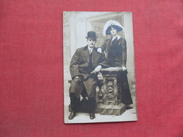 RPPC    Well Dressed Couple           Ref 3373 - Couples