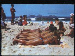 CPM Brésil RIO DE JANEIRO Praia De Ipanema Beach Un Alignement De Fessiers - Rio De Janeiro