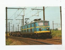 LA BB 2803 A BRUXELLES SCHAERBEECK LE 1 ER AOUT 1984   (125) - Spoorwegen, Stations
