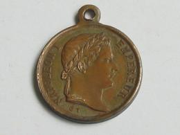 Petit Médaillon NAPOLÉON EMPEREUR - TOMBEAU DE NAPOLÉON -Inauguré Le 5 Mai 1853     **** EN ACHAT IMMEDIAT **** - Monarchia / Nobiltà