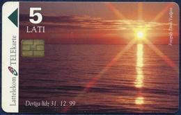 LATVIA - LETTLAND - LETTONIE LATTELEKOM 5 LATI CHIP PHONECARD TELECARTE BALTIC SEA SUNSET 1998 - Letland