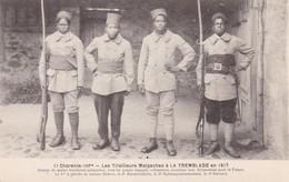 17. LA TREMBLADE. CPA. LES TIRAILLEURS MALGACHES EN 1917. 4 ENGAGES VOLONTAIRES MONTRANT LEUR DÉVOUEMENT POUR LA FRANCE - Guerre 1914-18