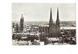 Cpm - 33 ... BORDEAUX ... Vue Panoramique - Cathédrale Tour Pey Berland - Travaux échafaudage - Chatagneau 1015 - Bordeaux