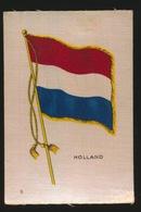 FLAGS OF ALL NATIONS  SOIE SUR PAPIER    8.5 X 5.5 CM    ===  HOLLAND - Cigarette Cards