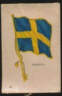 FLAGS OF ALL NATIONS  SOIE SUR PAPIER    8.5 X 5.5 CM    ===  SWEDEN - Cigarette Cards