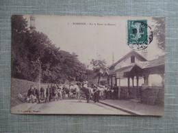 CPA 92 ROBINSON SUR LA ROUTE DE MALABRY  ANIMEE ANES - Francia