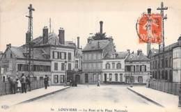 27 - LOUVIERS : Le Pont Et La Place Nationale ( Café ROULE - Pub Murale ABSINTHE BERGER ) CPA - Eure - Louviers