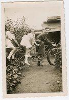 Homme Garçon Teen Boy Fille Girl  Velo TANDEM RARE Trois Place Triporteur Triplette Trio Snapshot Amateur 40s 50s - Cyclisme