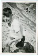 Enfant Kid Boy Garçon Snapshot Amateur 40s 50s Short été Summer Bougé Flou Mouvement - Personnes Anonymes