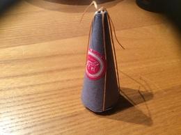 Sucre En Cône Traditionnel Maroc Hauteur 7,5cm, Diamètre Base 3cm (papier Gris) - Sucres
