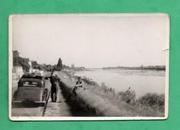 41 Loir Et Cher Blois Photo Des Bords De Loire Avec Automobile Hansa (format 7,8cm X 11,7cm) Peite Dechirure Voir Scans - Lieux