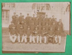 Grande Photographie 19eme Siecle Gardiens De Prison Format 18cm X 24cm ( à Retailler ) Non Situé - Photos