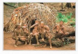 République Centrafricaine Lobaye Case Pygmée (2 Scans) - Central African Republic