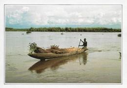 Soudan Barque Chargée De Papyrus Sur Le Nil (2 Scans) - Sudan