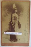 Louise GRANDJEAN Soprano - Photo Reutlinger -1902 Dédicace Autographe à A. Frère - Wagner Verdi - Photographie - Autographes
