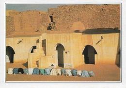 Mauritanie Chinguetti Prière à La Mosquée (2 Scans) - Mauritanie