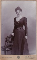 Foto Junge Frau In Kleid - K.u.k.Atelier Knozer Wien - Ca. 1900 - 10*6cm (41260) - Anonymous Persons