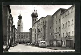 AK Rosenheim / Obb., Ortspartie Mit Geschäften Und Blick Zur Kirche - Rosenheim