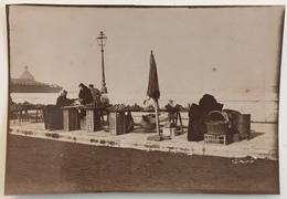 Toulouse. Une Marchande De Fruits Et Légumes Sur Le Pont Neuf. Métier. - Old (before 1900)