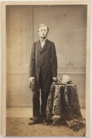 CDV. Jeune Homme Avec Nœud Papillon. - Old (before 1900)