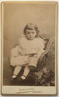 CDV. Une Petite Fille. Photographe Ordinaire à Dinard. - Old (before 1900)