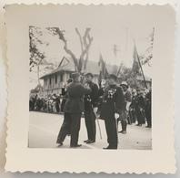 Viêt-Nam. Hanoï Années 30. Cérémonie Militaire. Le Général Bührer Décorant Des Hauts-gradés. Coloniale. - War, Military